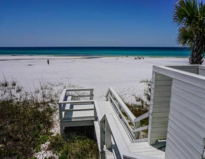 Steps leading down to the beach at Gulf Trace